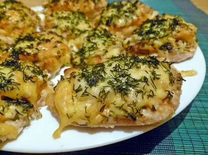 Курица запеченная с грибами и сыром